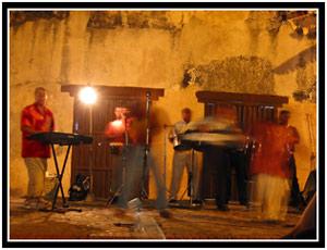 Live music at La Casa de Música, Trinidad (25k image)